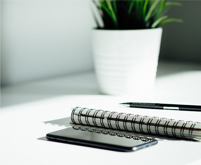 ハッピーフライデー制度/健康管理システム導入/オフィス環境改善